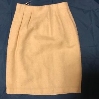 ストロベリーフィールズのタイトスカート