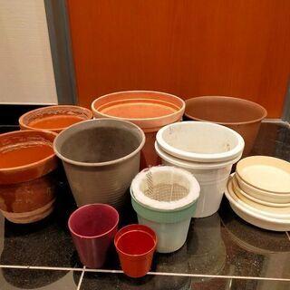 【無料】園芸好きの方に/植木鉢や植木鉢皿、差し上げます