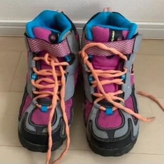 ニューバランス☆子供用登山靴(21cm)