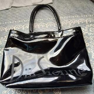 黒 エナメル トートバッグ かばん