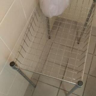 トイレでの使用品 組み立て式の棒と台座