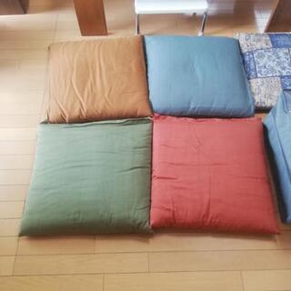 【ネット決済】厚手 座布団 5枚セット ケース付き