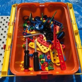 おもちゃ工具及びぐらぐらゲーム