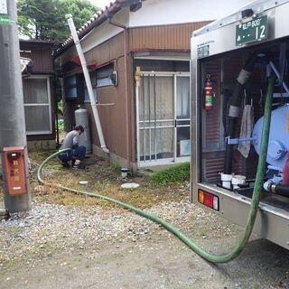 松戸市内のトイレ汲み取り清掃助手