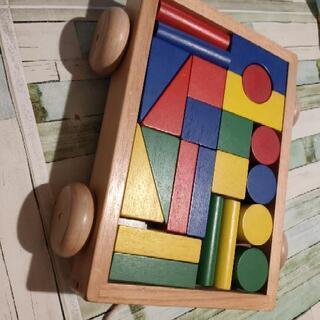 積み木  知育玩具
