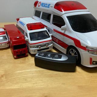 トミカ 救急車 緊急車両 5台セット+おまけ付き 男の子 オモチャ