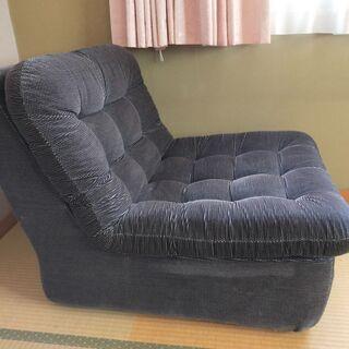 一人用ソファーをお譲りします。