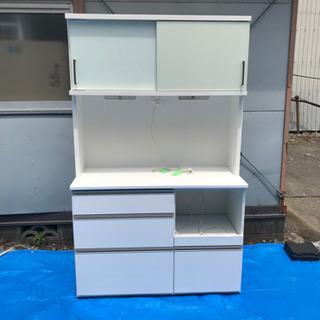 【株式会社イースト】キッチンボード 食器棚