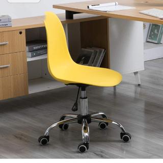 黄色の椅子