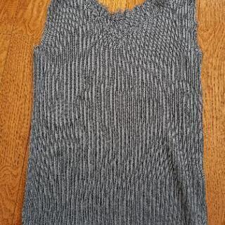 新品定価2900円ノースリーブセーター