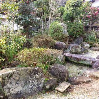 庭石と灯篭、無料で差し上げます!引き取り限定。