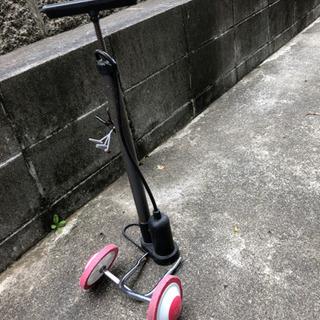 自転車補助輪 空気入れ
