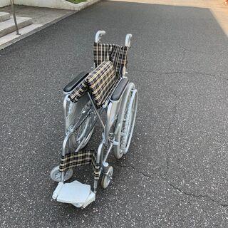 自走式車いす。介助走行も可能です。