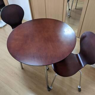 5月末にカナダへ移住するので、ダイニングテーブル・椅子二つセット...