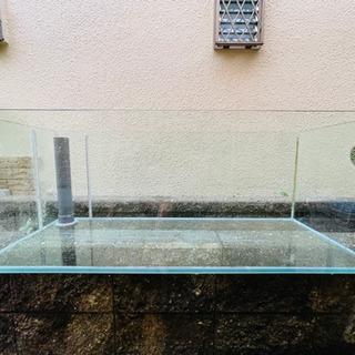 【ネット決済・配送可】日本製ガラス 1200×600×450 海...