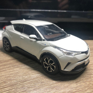 【希少】C-HR ホワイトパール カラーサンプル ミニカー