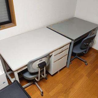 【取引中】事務机と椅子の2台セット