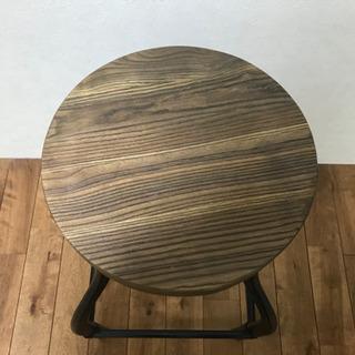 高さを変えれる木製アイアンスツール