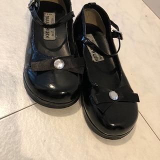 新品 おしゃれ靴 エナメル黒 リボン付き 19センチ