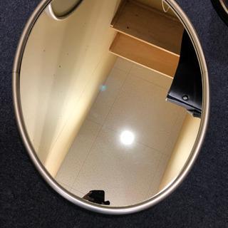 美容院の鏡 (壁掛けタイプ)