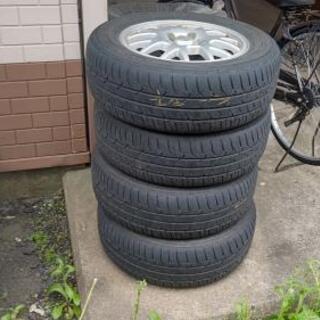 日産セレナの夏タイヤ4本セット(アルミ付) - 売ります・あげます