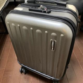 小さめのスーツケース シルバー ※本日20時まで