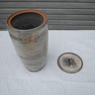 陶器製花瓶2種類出品します。