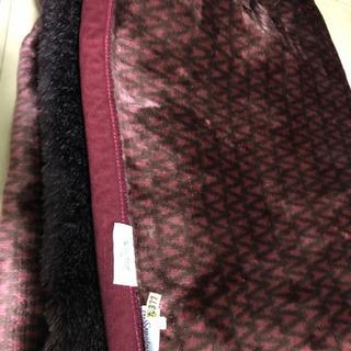 1000→500円へ★イブサンローランのアクリル毛布