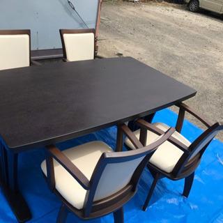 ニトリ ダイニングテーブル&チェア セット 4脚 オススメ 回転椅子