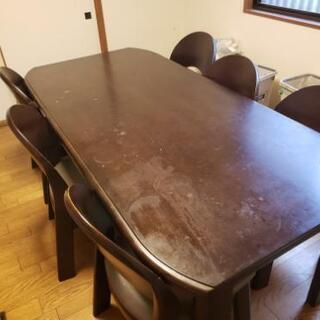 【無料】丈夫なテーブル 椅子6個付き