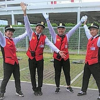 アミューズメント施設の警備スタッフ