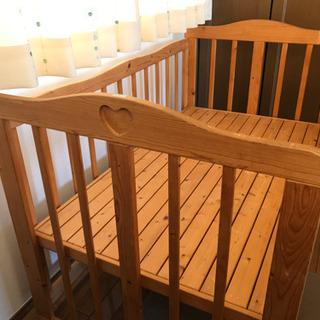 天然木•自然塗料100%のベンチにもなるベビーベッド - 春日部市