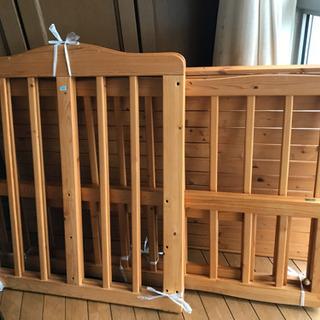 天然木•自然塗料100%のベンチにもなるベビーベッド - 売ります・あげます