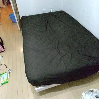 セミダブルベッド枠とマットレス