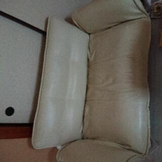 【無料】【お譲り決定しました】2人掛けソファーベッドの画像