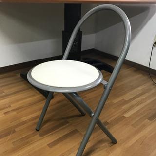 折りたたみ式椅子