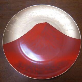 和室のインテリアに! 赤富士絵皿  スタンド付き(中古・良品)