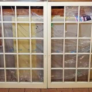 ◆古い 木製 窓 4枚 72×113.5×3 クリーム色/建具 ...