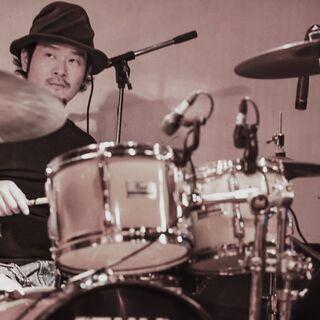 ドラムレッスン(モーラー奏法)のプライベートレッスンを行います。