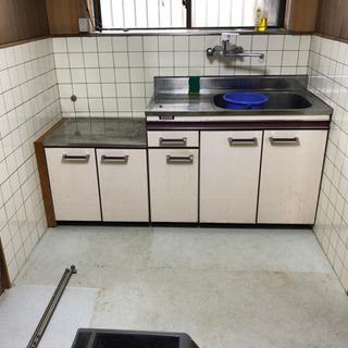 キッチンシンク、コンロ台