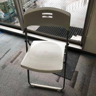 折りたたみの椅子 5脚 500円