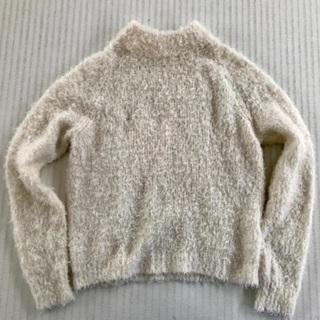 無料!白モフモフセーター