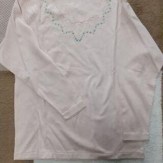 長袖Tシャツ ピンク色