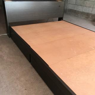 ベッドフレーム ダブル 木目調 ベッドライト ベッド部にコ…