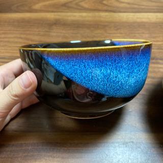 濃紺、藍色の丼2つ