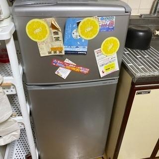 AQUA AQR-111E 冷蔵庫