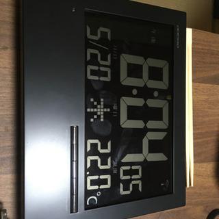 デジタル時計 電波 温度 アラーム機能付き