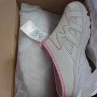 靴👟メッシュで✨はきやすいよ💕格安新品☺️
