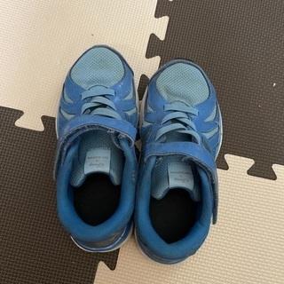 ニューバランス✖️ディズニー運動靴