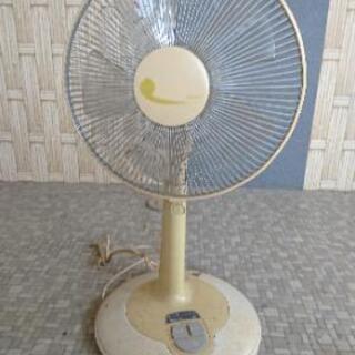 扇風機(画像以外に他に4台あり)